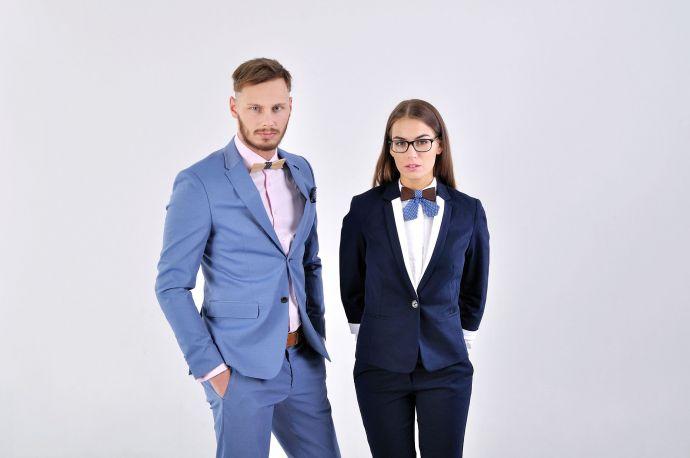 Geschäftmann & Managerin Holzfliege