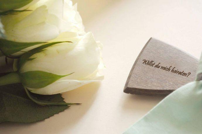 Heiratsantrag Fliege aus Holz Ideen