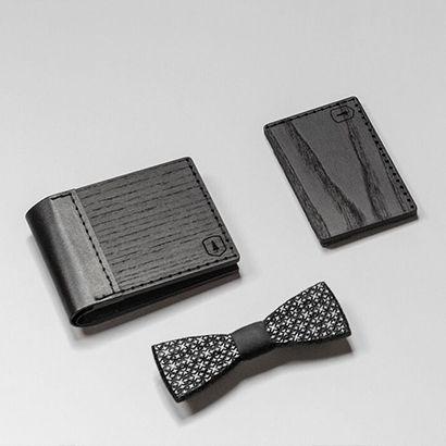Kartenhalter aus Holz in schwarz