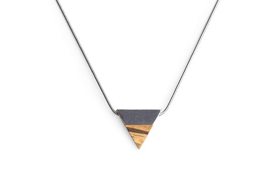 BeWooden - 0 Api necklace triangle