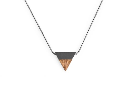 BeWooden - 0 Rubi necklace triangle