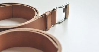 Funktionalität: Ledergürtel mit einem Holzdetail