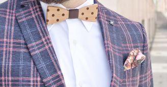 Funktionalität: Holzfliege, ein verspieltes Accessoire für einen modernen Gentleman