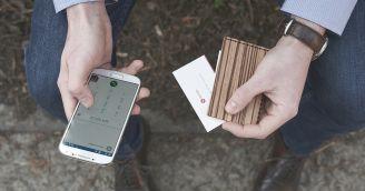Funktionalität: Holzportemonnaie und Kartenhalter für den wahren Gentleman