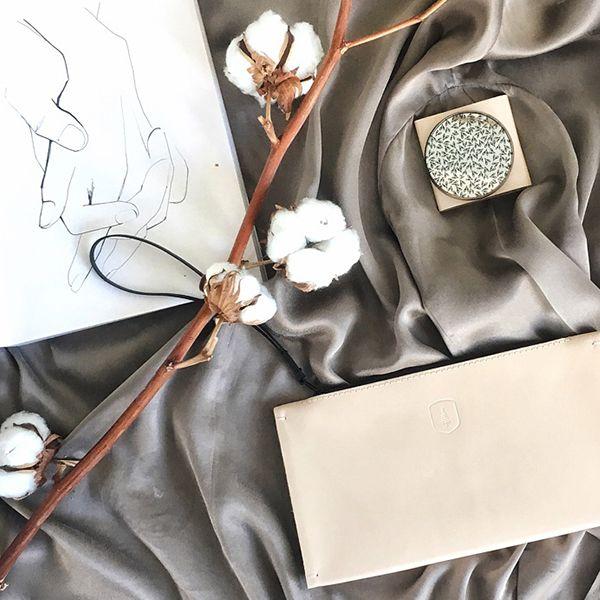 Ein Notizbuch mit Zeichnung und Produkten von BeWooden