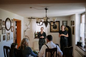 BeWooden - Das Ja-Wort an einem ganz besonderen Ort: Die Wohnzimmerhochzeit