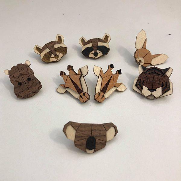 Holzbroschen mit Tier Motiven