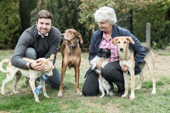 Unser Gründer Henrik Roth besucht den Tierschutzverein Hunde in Not
