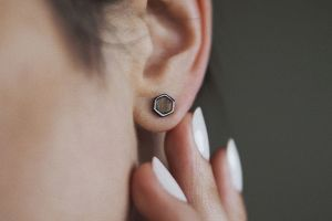Apis Nox Earrings Hexagon