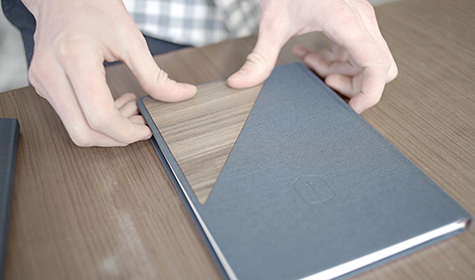 notebook_grey_and_wood_bewooden_1